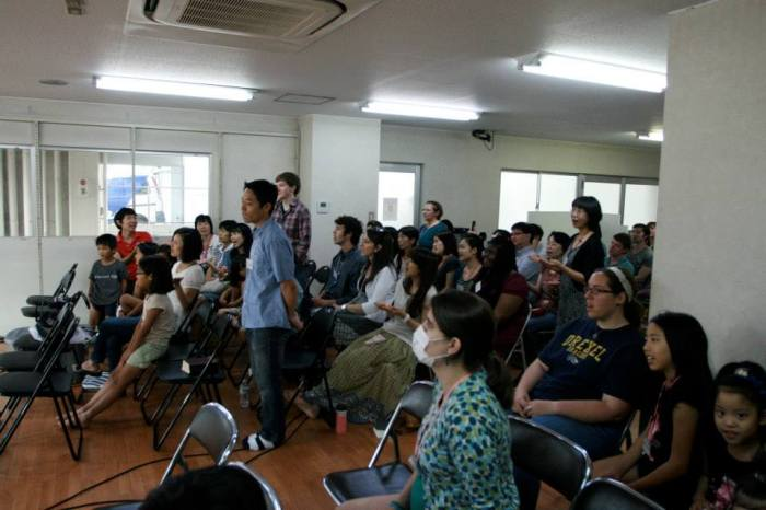 Our church ANF is full of Japanese, Koreans, Americans, Brazilians and other foreigners! It's such a great picture for us of what heaven will be like - every tribe and tongue!